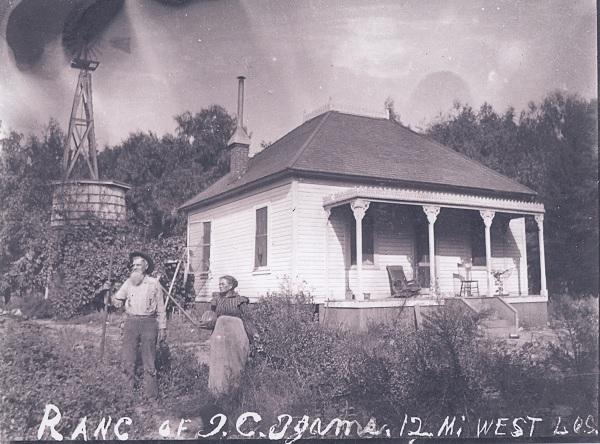 Home of Isaac Clay and Edith Sikes Ijams, Calabasas, California, ca. 1910.