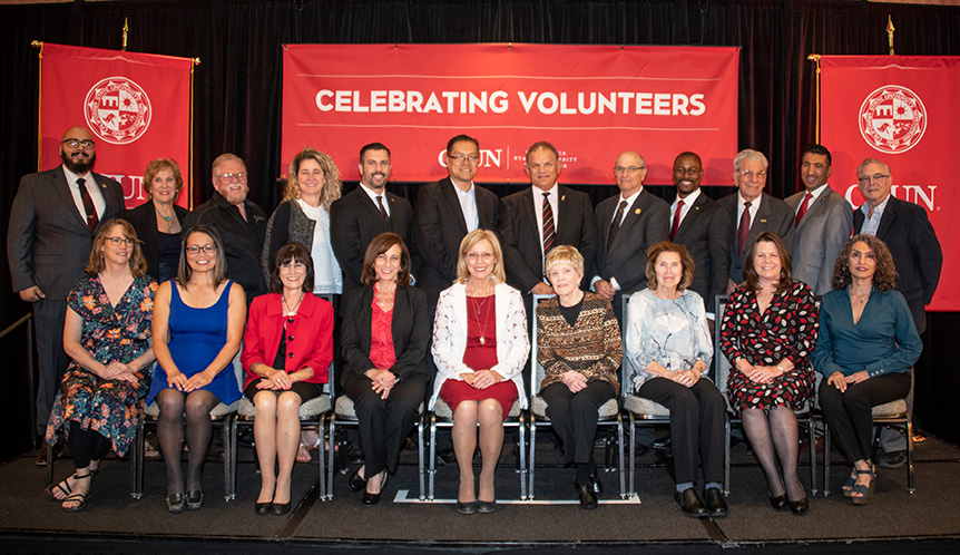 Awardees and attendees of the Volunteer Service Awards